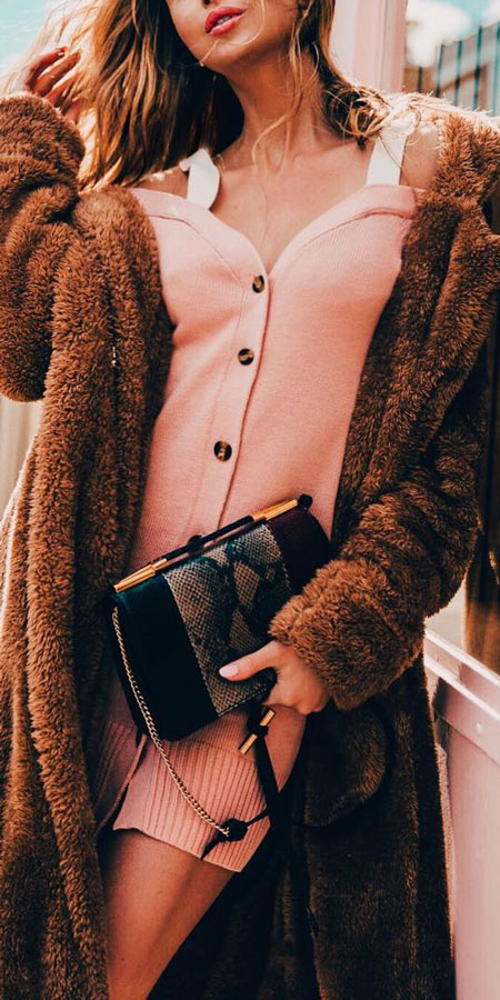 25 Best Extra Nice Winter Outfits to Wear Now.  fashion style winter winter casual fashion winter fall fashion casual winter fashion winter outfits casual #outfitinspiration #style #stylish #styleinspiration