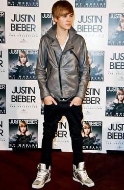 Gambar Jaket Kulit Justin Bieber Silver