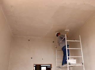 Yulhan gets the ceiling painted white