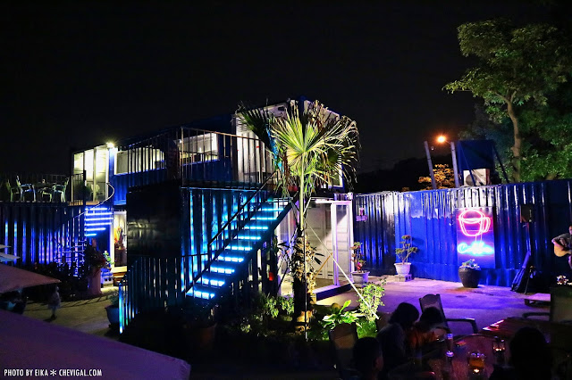 IMG 2508 - 台中沙鹿│向海咖啡屋*夢幻紫色玻璃貨櫃屋。咖啡與旋律伴你欣賞星光夜景