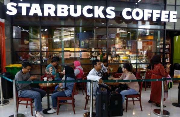 Es Kopi Starbucks di Inggris Mengandung Bakteri