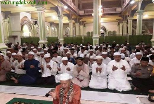 Lafadz Bacaan Doa Setelah Sholat Tarawih dan Witir Sesuai Sunnah Lengkap