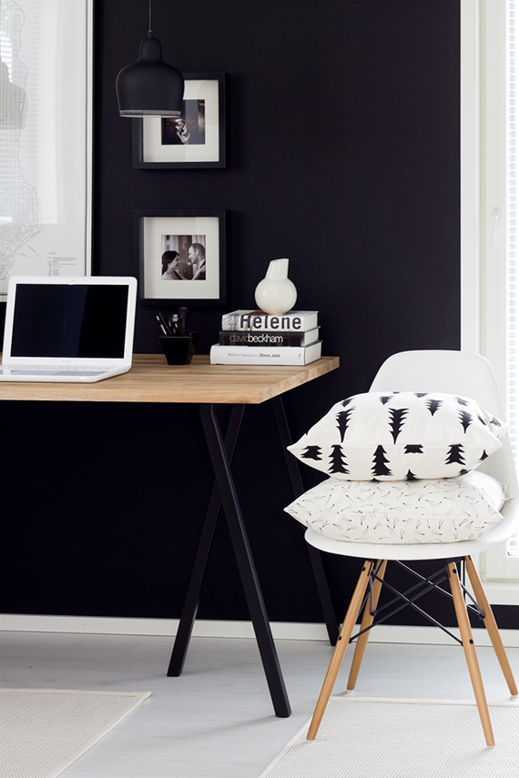 Black office wall | Lisbet e