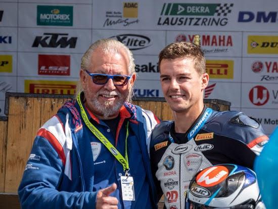 IDM Superbike 1000: Mackels-siegt im ersten Rennen