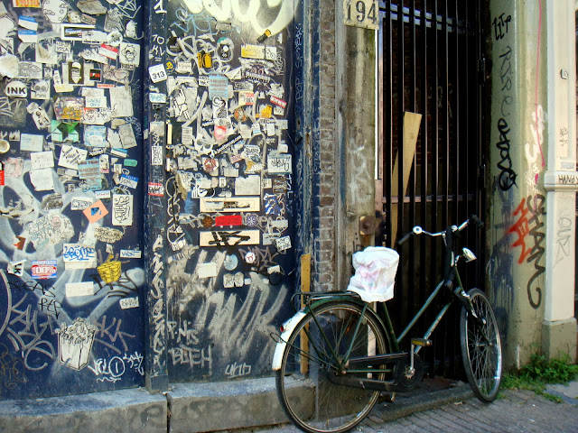 bike and street art