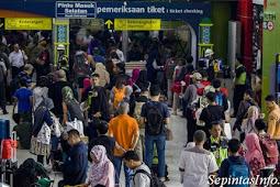 Update Situasi Jakarta Saat Ini : Efek Aksi 22 Mei, Kereta Dari Gambir Berhenti Di stasiun Jatinegara