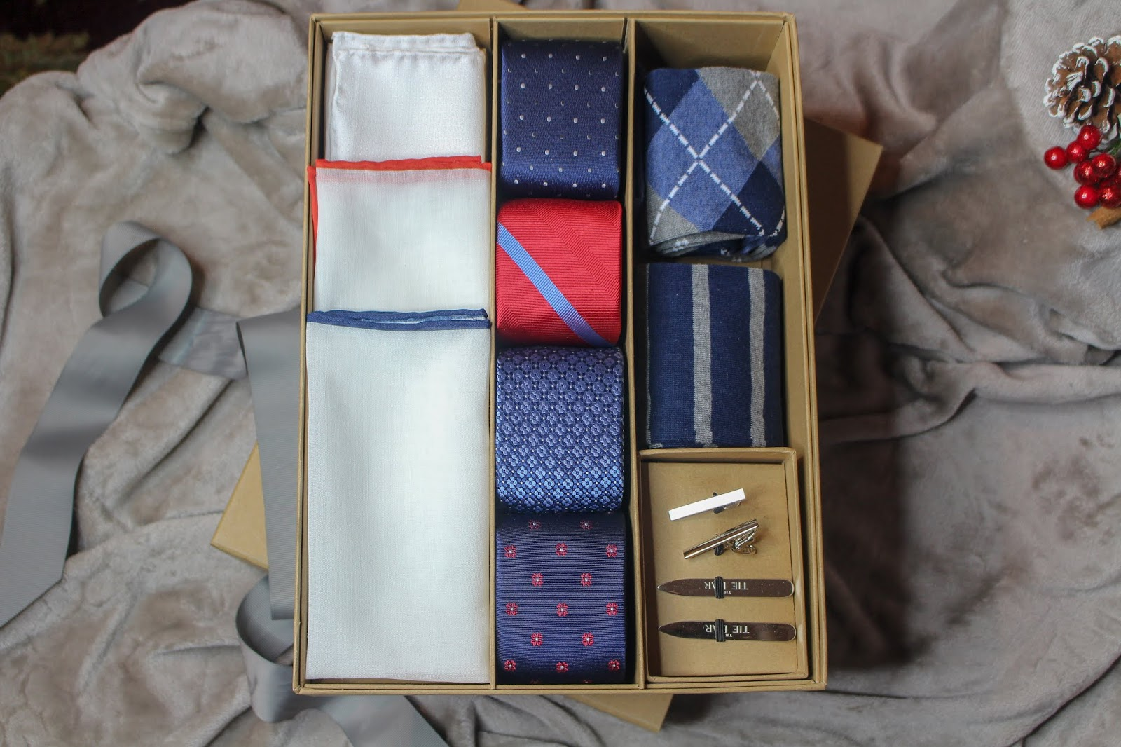 the tie bar the essentials box navy