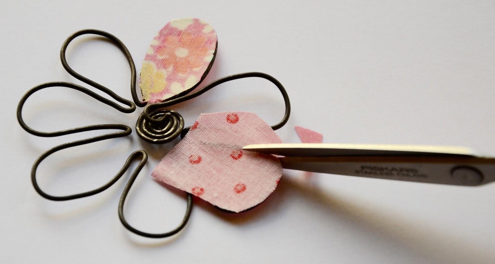 La petite verri re un pr nom en fil de fer et tissu tuto - Quelle colle utiliser pour coller du tissu ...