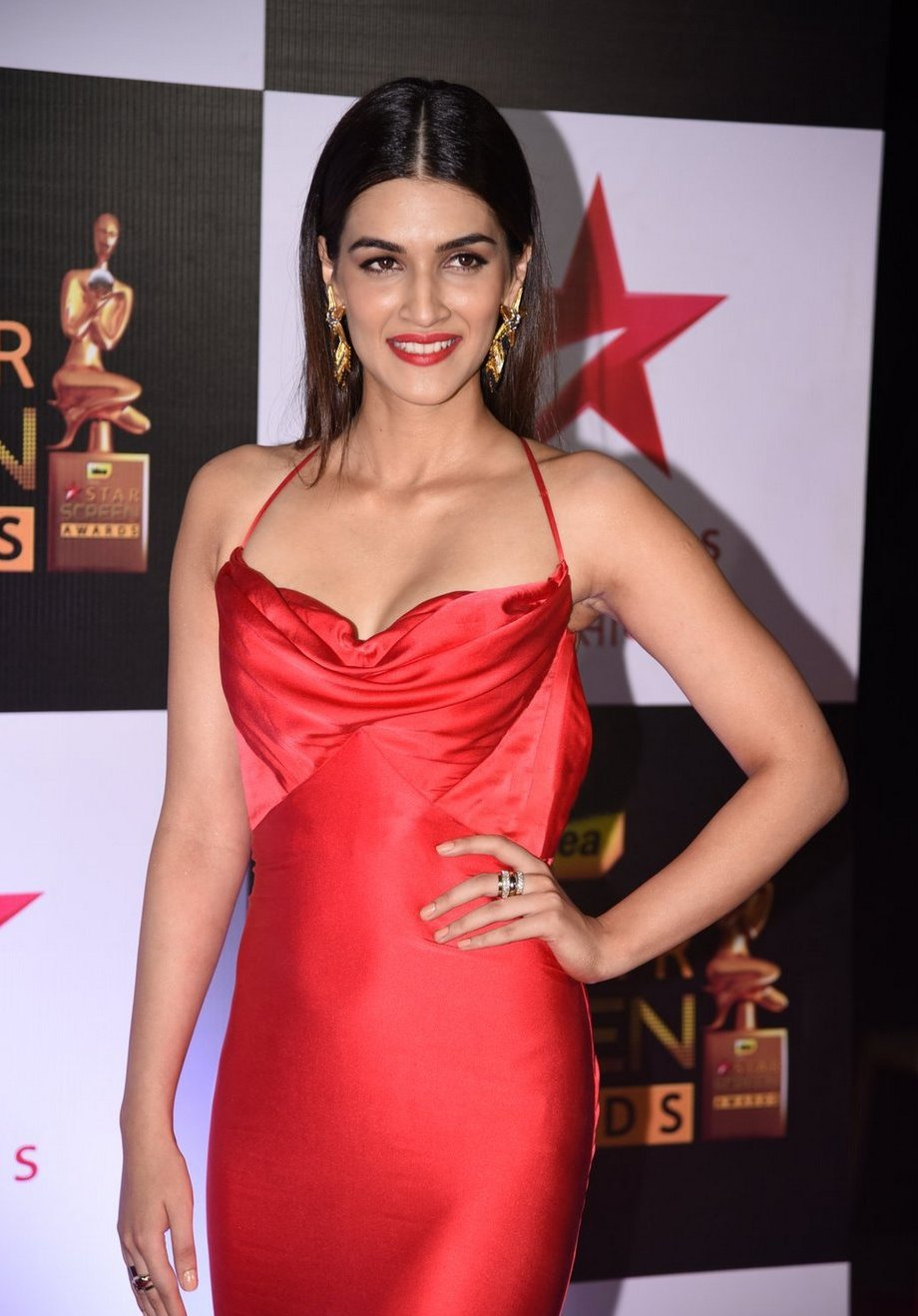 Model Kriti Sanon Hot New Photos In Red Dress