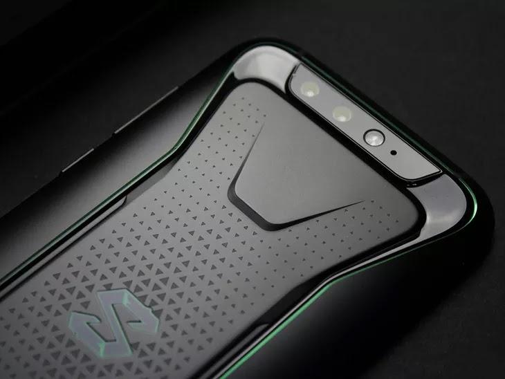 Adu Spesifikasi Xiaomi Black Shark dan Asus ROG Phone