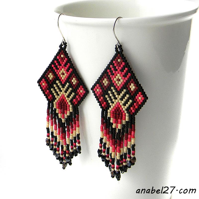 Купить яркие этнические сережки из бисера ручной работы. Россия.