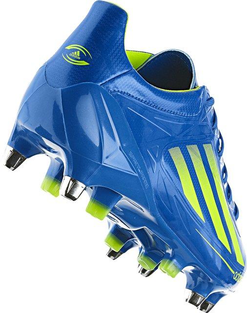 O AdiZero Adidas mudou a cara da nova linha de chuteiras - primeiro com sua  leveza e agora com o seu