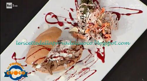 Panini al vino rosso con sfilacci di stracotto ricetta Alessandro Dentone da Prova del Cuoco
