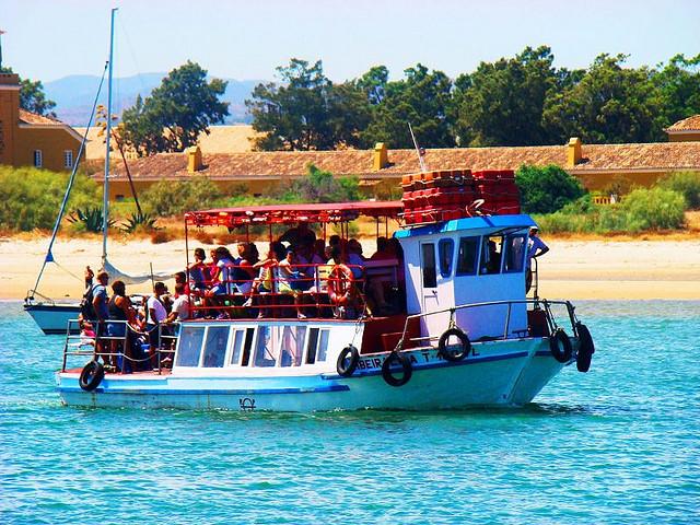 Barcos do Algarve até a Ilha de Tavira