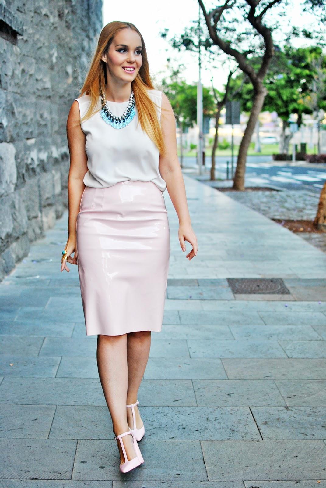 nery hdez, vinilo skirt, midi skirt, fashion union, vinyl skirt, ottaviani bijoux,