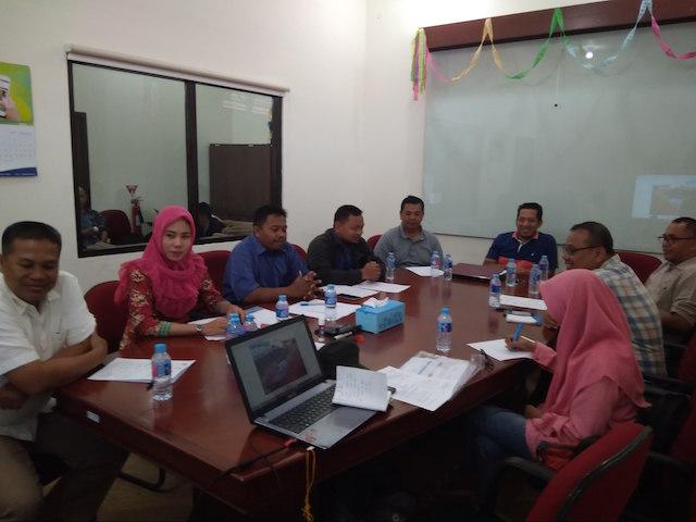 Rapat Mingguan Proyek Konstruksi UT Tarakan