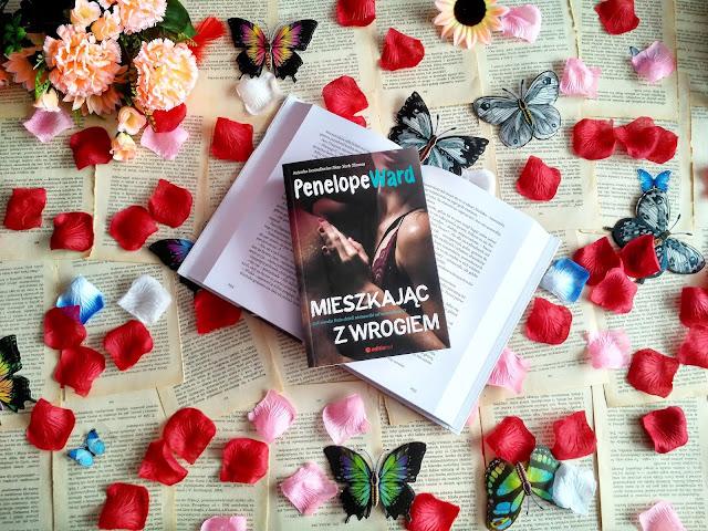 """Przyjaźń, wspólne mieszkanie i nienawiść, czyli recenzja powieści Penelope Ward pt.""""Mieszkając z wrogiem"""""""
