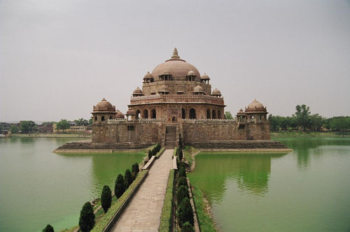 Sher Shah Suri's tomb at Sasaram, Bihar, India