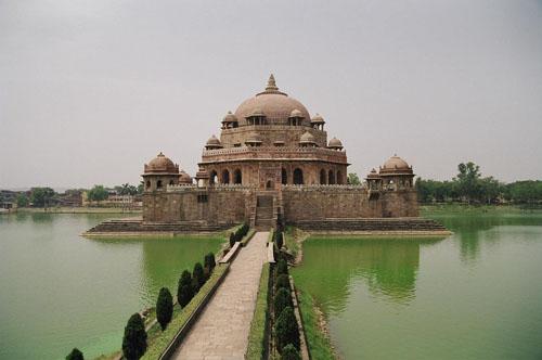 Sher Shah Suri's tomb at Sasaram, Bihar, India