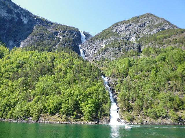 Cascada Sagfossen (@mibaulviajero)