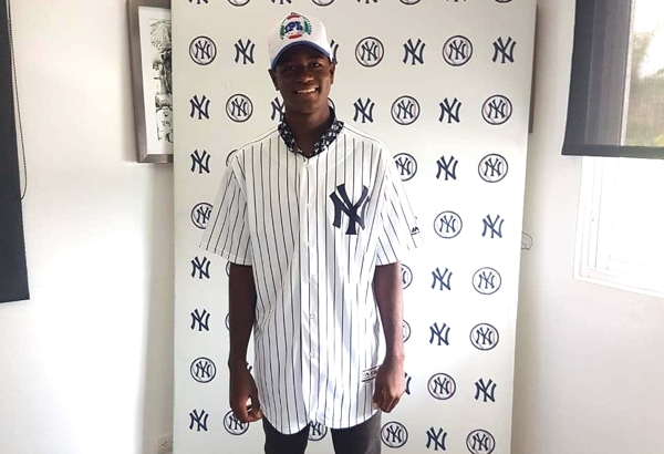 Yankees firman hermano de Luis Severino
