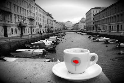 Trieste storica con caffè san giusto