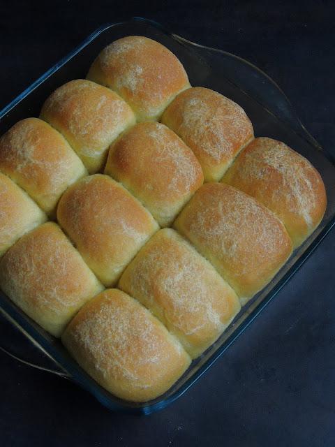 Eggless Semolina Pav Buns, Semolina Bread rolls