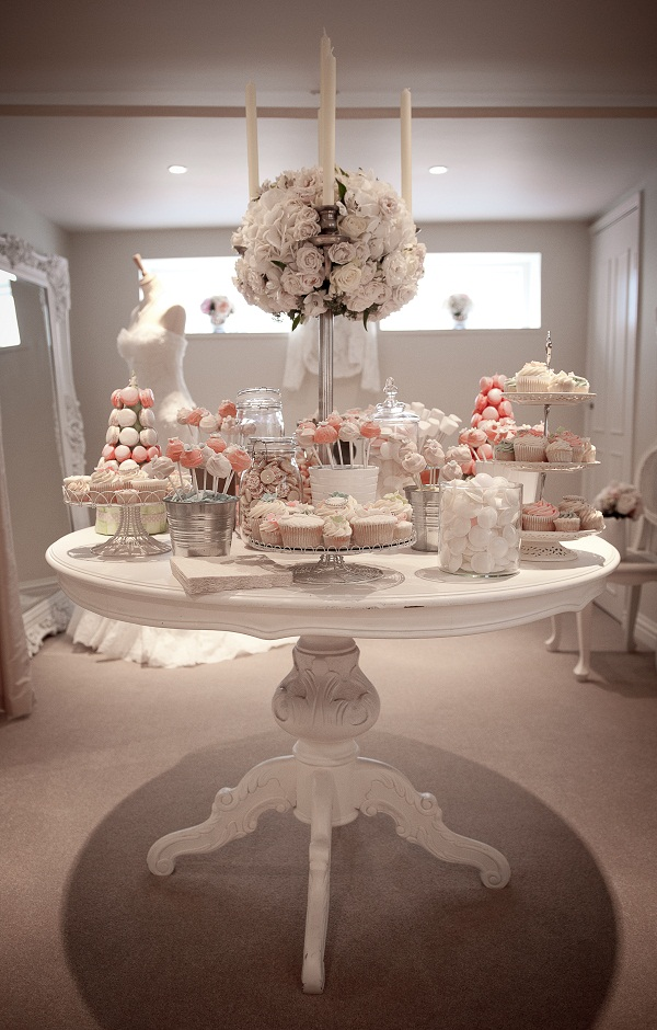 Crumbs Couture Cupcakes Amp Cakes In London Dessert Tables