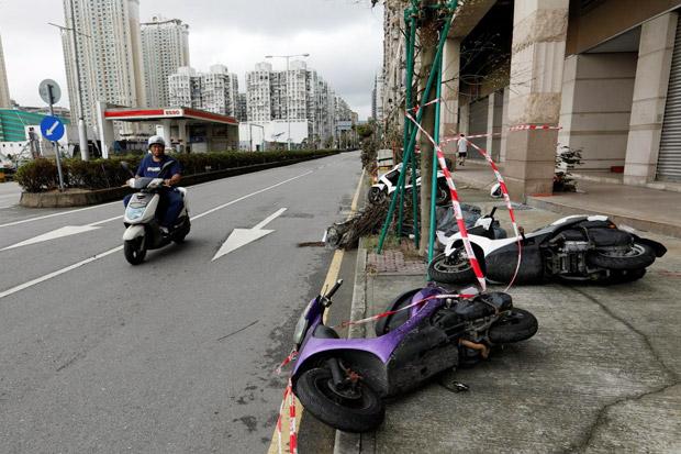 Setelah Hato, Giliran Badai Pakhar Terjang Hong Kong dan Macau