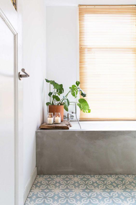 Una buena iluminación es indispensable en cualquier baño elegante