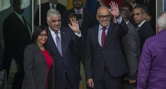 Gobierno y oposición de Venezuela siguen hoy diálogo en Cancillería