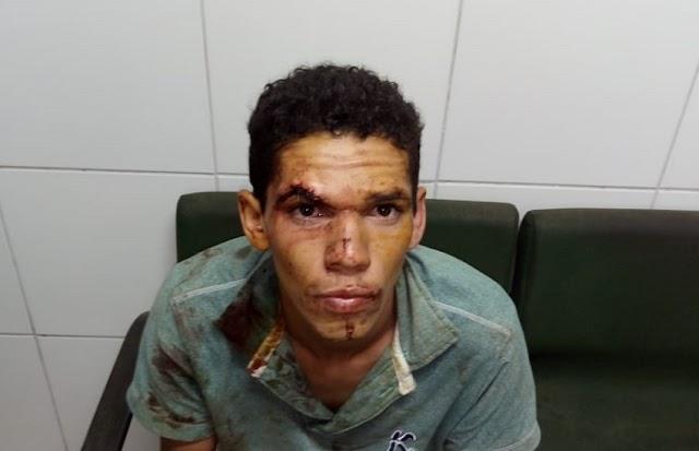 Jovem é preso suspeito de esfaquear a mãe e matar um animal de estimação da família