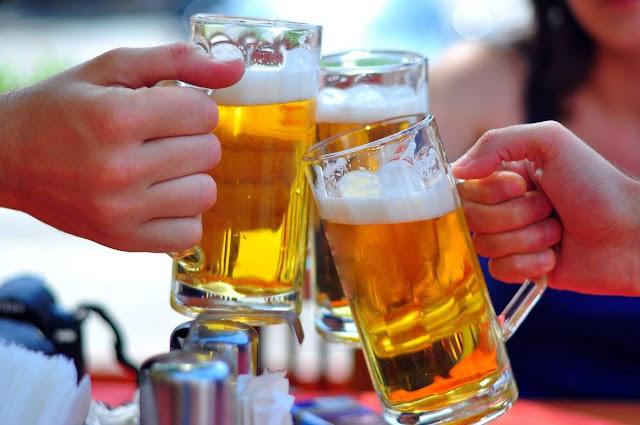 8 Bahaya Konsumsi Minuman Keras untuk Kesehatan Tubuh