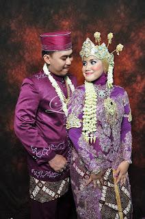 Pernikahan dengan konsep adat sunda siger jilbab