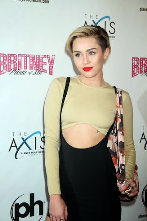 Miley Cyrus disappointed with cancer girl