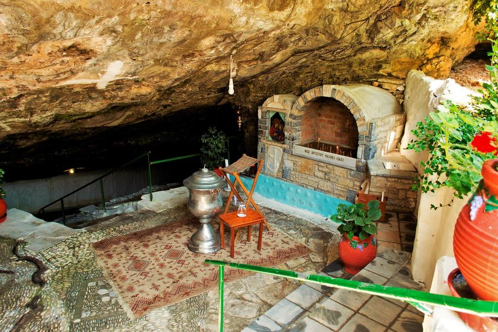 Greek Orthodox Religious Tourism: Ιερά Μονή Παναγίας Σπηλιανής, Σάμος.
