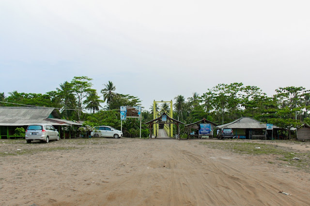 pantai ciantir desa sawarna