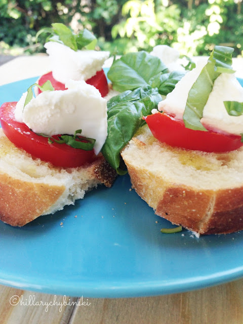 Use your summer tomatoes and basil to make some crostini, a delcious and easy snack or appetizer.