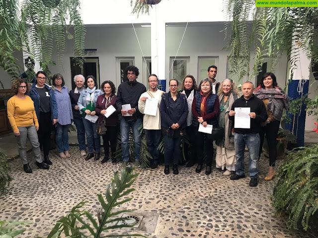 La Consejería de Artesanía del Cabildo entrega 25 nuevos carnés de artesano