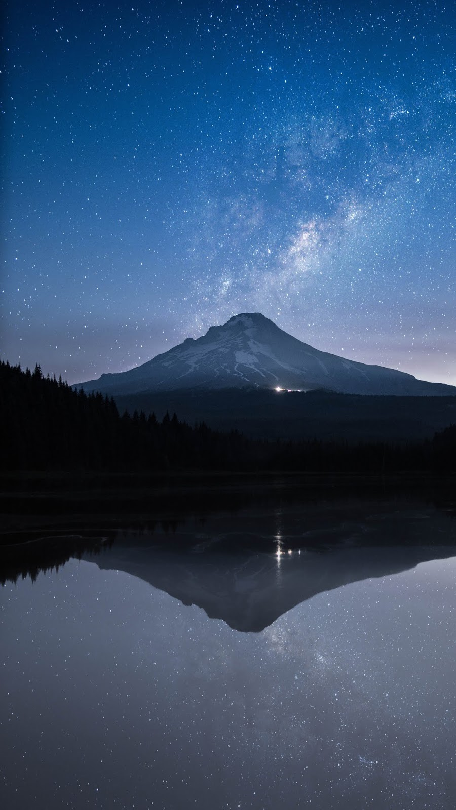 Starry night mountain wallpaper