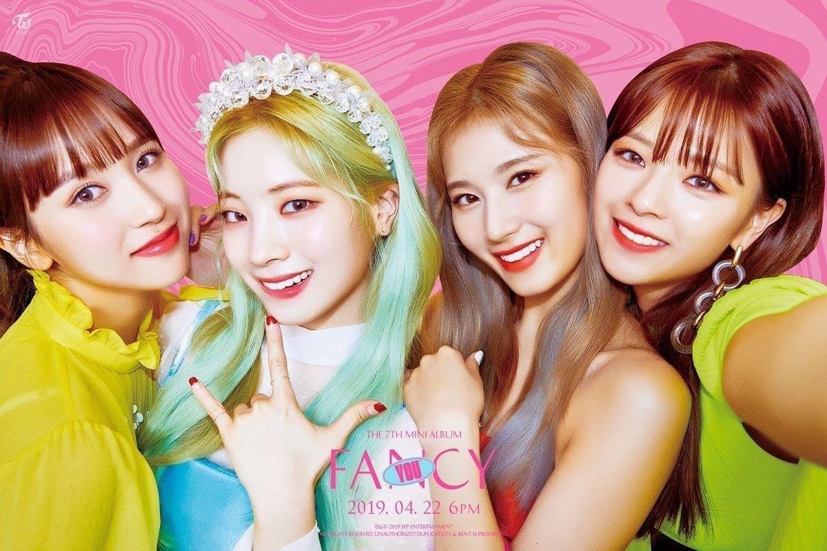 [THEQOO] Netizenler Twice teaserlarından sonra JYP'de sanat yönetmeni olmadığını düşünüyor