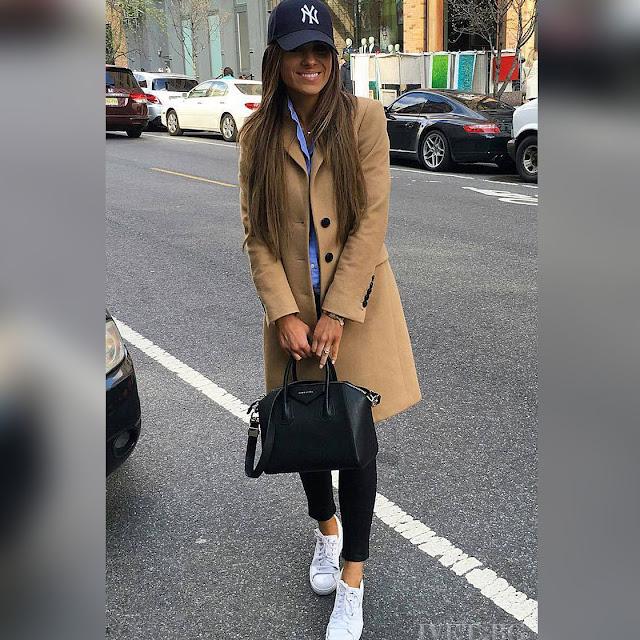 Γυναικείο μπεζ παλτό JULIE