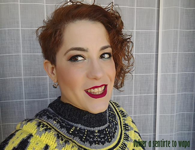 Maquillaje dorado y verde