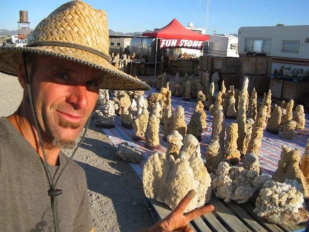 Feral Dog Gem & Mineral Show - Quartzite Arizona