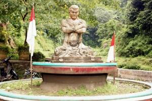 Asli Suroboyo: Air Terjun Madakaripura, Muksanya Patih Gajah
