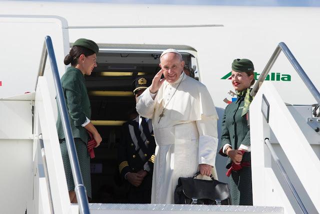 Oppenheimer: El Papa no es claro sobre Venezuela