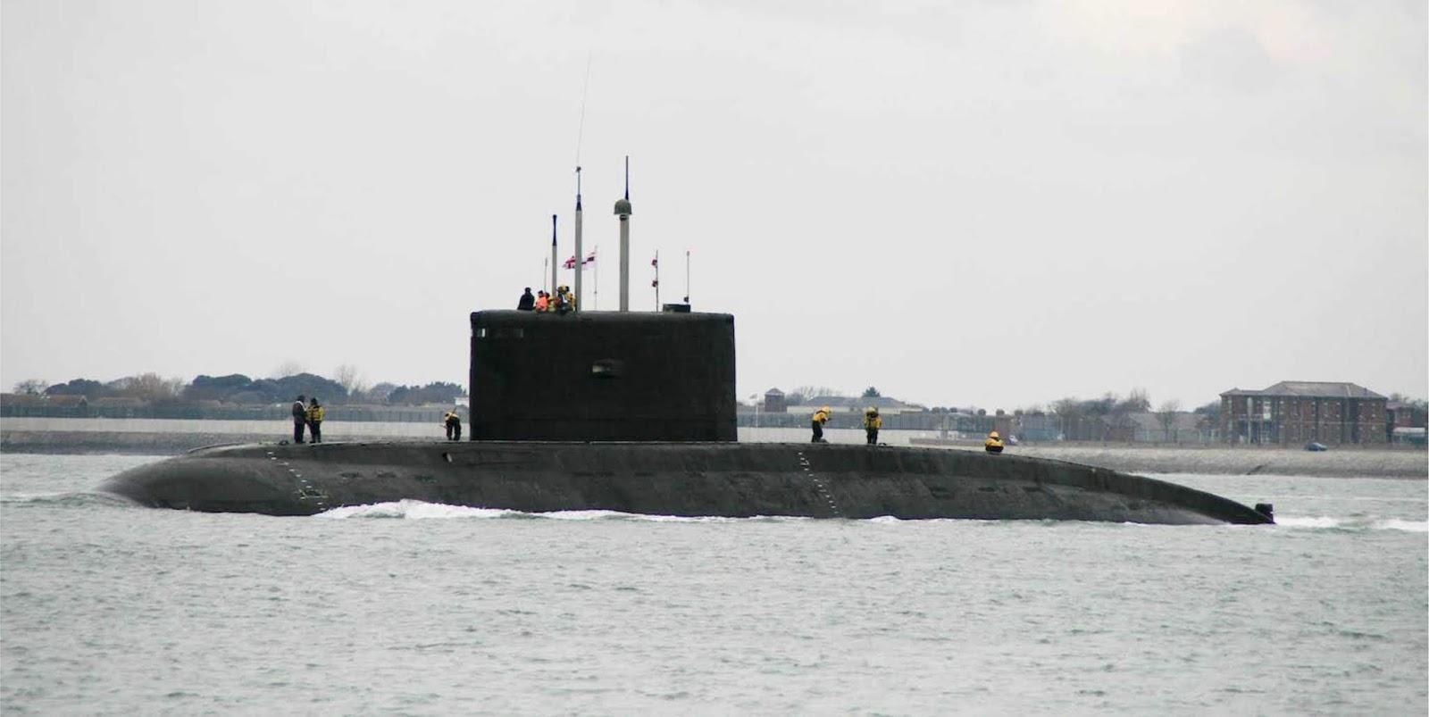 Angkatan Laut Iran menerima dua kapal selam baru