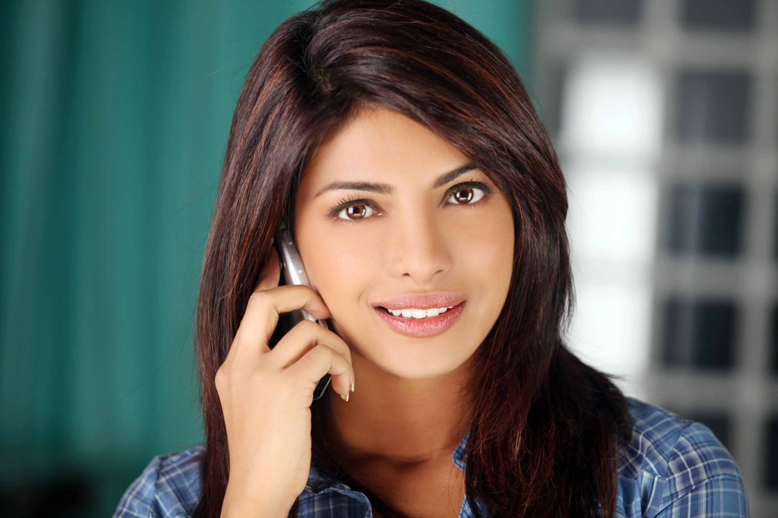 Priyanka Chopra Hd Wallpaper  - Wallpapersh-1494