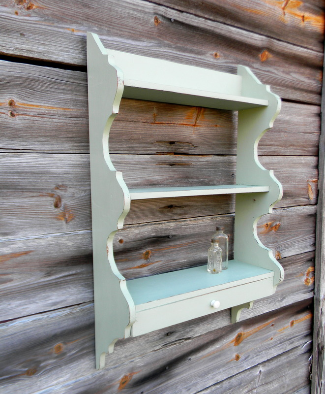 I Picked Up This Little Shelf At An Auction Removed The Back And Whipped A Nice Vintage Green Chalk Paint Time Using Plaster Of Paris