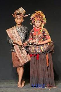 Provinsi Sulawesi Tengah - Pakaian Adat Tradisional Nggembe